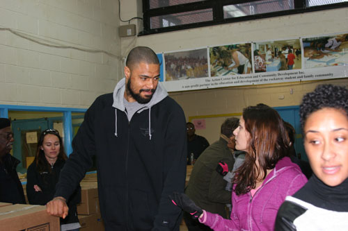 Tyson Chandler manning the Exit station!!
